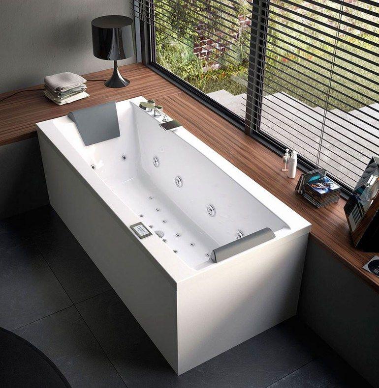 La vasca idromassaggio freestanging per bagno di medie dimensioni