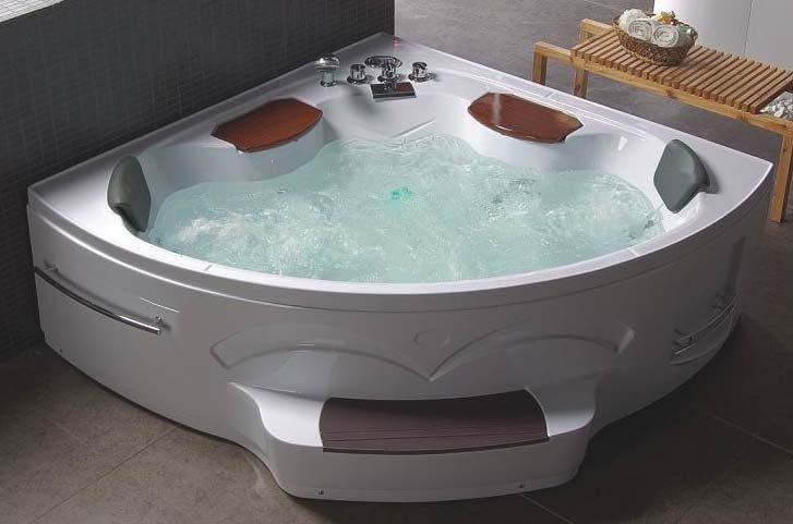 La vasca da bagno angolare multiaccessoriata con cromoterapia e idromassaggio