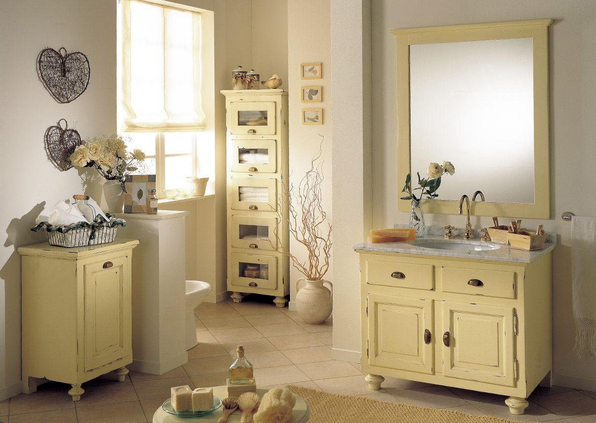 Come arredare un bagno in stile provenzale houselet for Arredamento stile provenzale