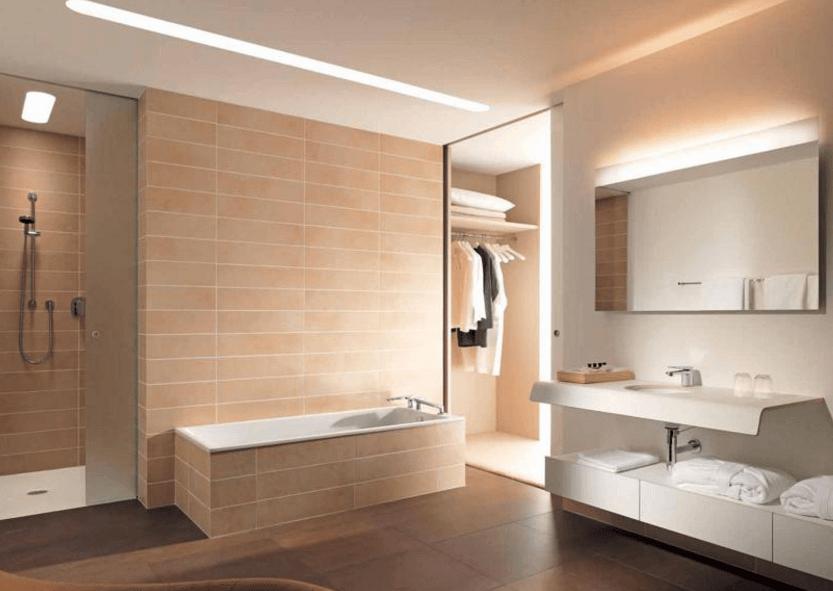 Illuminazione generale e supplementare nella stanza da bagno moderna con utilizzo di strisce led